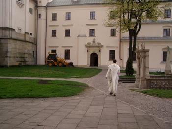 В Польше стала бестселлером книга католического священника