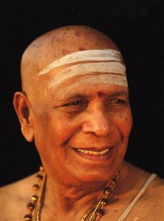 В Индии скончался популяризатор йоги Паттабхи Джойс