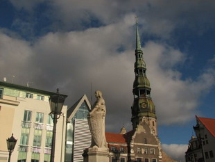 Четверть жителей Латвии видят своих детей священниками