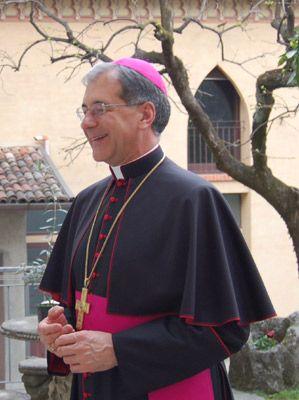 """Ватикан борется с римской """"мусорной"""" традицией"""