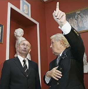 """В.Путин: """"Толстого церковь не предавала анафеме"""""""