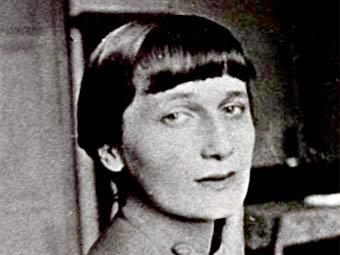 В день рождения Анны Ахматовой в Лавре отслужили панихиду