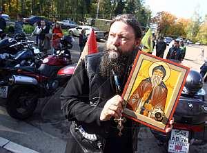 Митрополит Володимир благословить першу в Україні моторизовану Хресну ходу