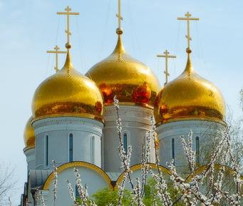 Освящен престол храма-точной копии Успенского собора московского Кремля