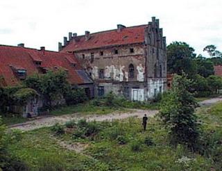 РПЦ хочет получить в собственность два замка